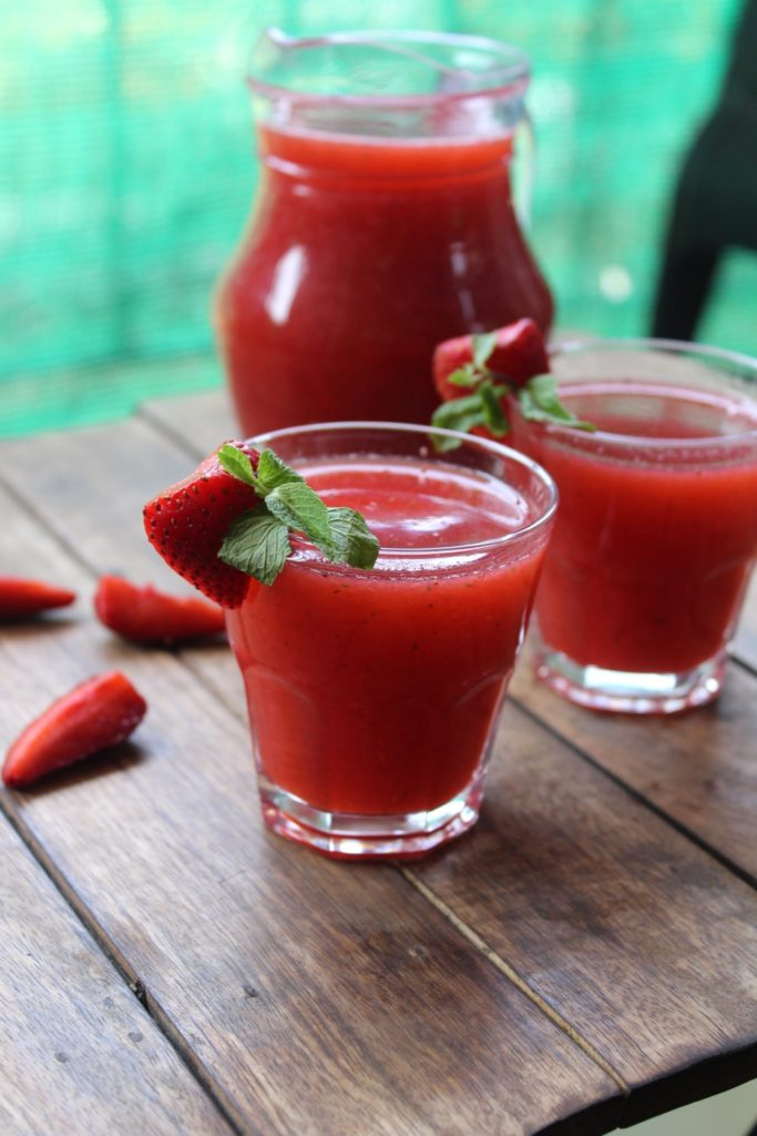 Strawberry and mint cooler fresh fruit drinks