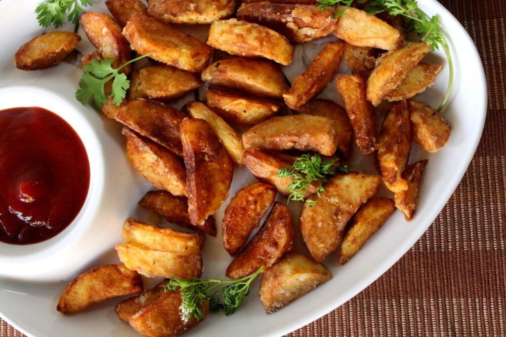 Crispy-fried-potato-wedges
